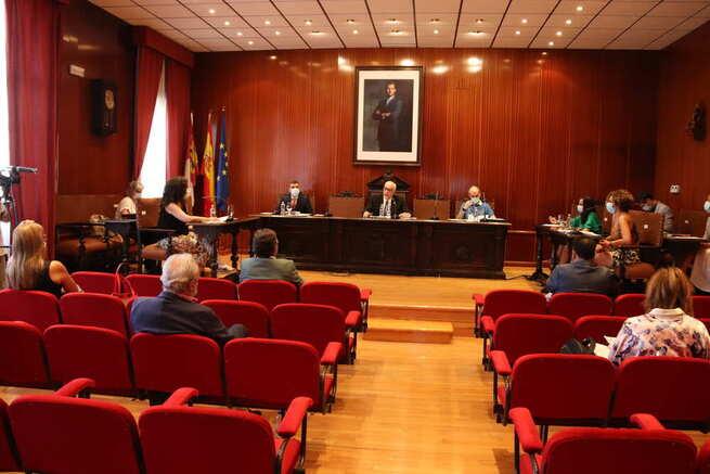 Ratificada la apuesta por la hostelería en Manzanares con la ampliación del horario de terrazas aprobado por el pleno