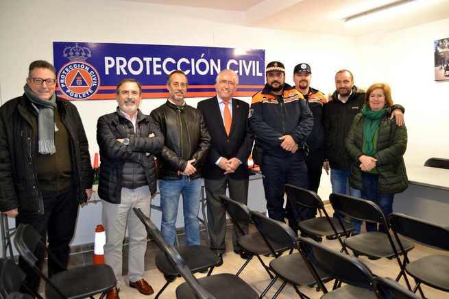 Poblete ya cuenta con una nueva Agrupación de Protección Civil, cuya sede inauguró el alcalde y el director provincial de Hacienda y Administraciones Públicas