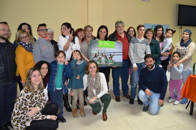 Imagen: Pilar Zamora presenta el calendario solidario  de la Asociación ASPAS Ciudad Real