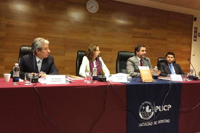 Imagen: La profesora de la UCLM Gemma Patón presenta en Perú una obra sobre fiscalidad ambiental y responsabilidad social en América Latina