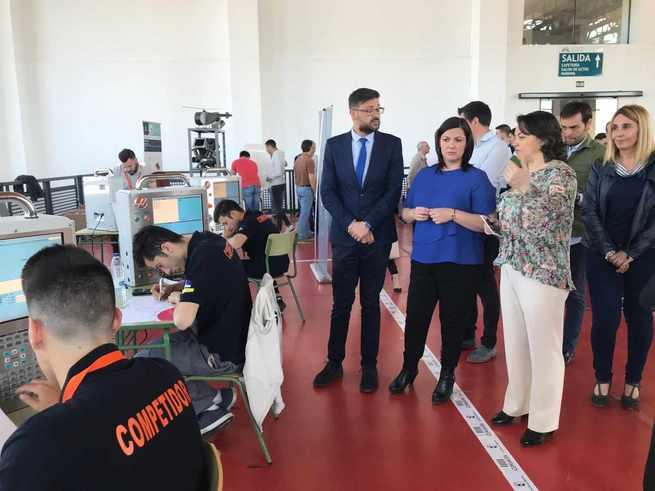 El director general de FP visita la competición de skills 2018 en torneado y fresado y escaparatismo que se celebra en Puertollano