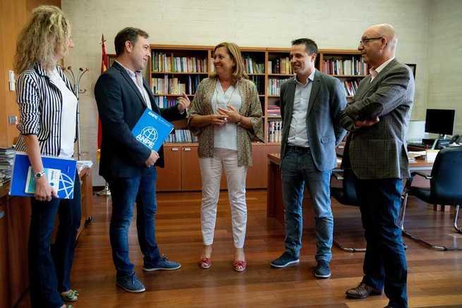 ANPE se ha reunido con la Consejera de Educación para plantearle un acuerdo que revierta todos los recortes educativos y mejore las condiciones laborales del profesorado de Castilla-La Mancha