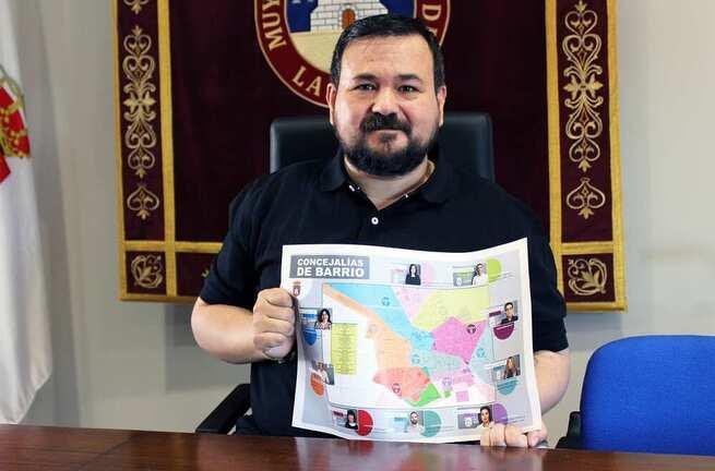 Juan Ramón Amores presenta las concejalías de Barrios de La Roda