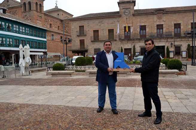 """""""Anida"""" en Almagro una Pajarita Azul, distinción nacional que reconoce la excelencia en la recogida selectiva para reciclaje de papel y cartón"""