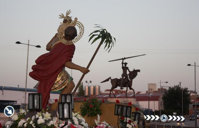 Imagen: San Cristóbal estrenó iluminación en su ermita y celebró su festividad en La Solana