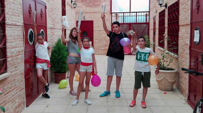 Imagen: Los pequeños de El Torno disfrutan de su particular San Fermín