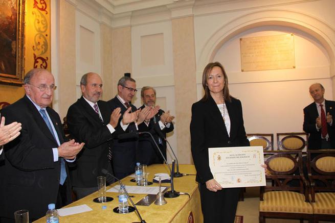 Imagen: La profesora de la UCLM María Soledad Campos ingresa en la Real Academia Nacional de Farmacia