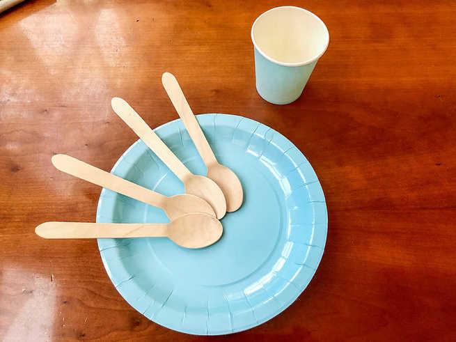 El Ayuntamiento de Argamasilla de Calatrav compra 18.000 vasos, platos y cucharas biodegradables para las degustaciones festivas