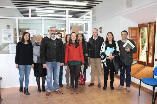 Imagen: La Directora Provincial de Bienestar Social visita Villanueva de los Infantes