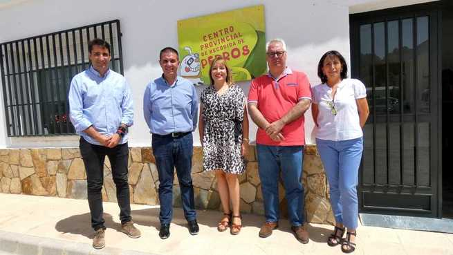 Cabañero, Torres y Sancha visitan las instalaciones del Centro de Recogida del Programa 'Emperrados': un referente en sensibilización con la población canina de Albacete como protagonista