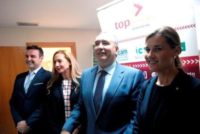 """Imagen: El presidente de Fecir agradece a Caja Rural CLM que organice """"el éxito"""" de Top Dirección en Ciudad Real"""