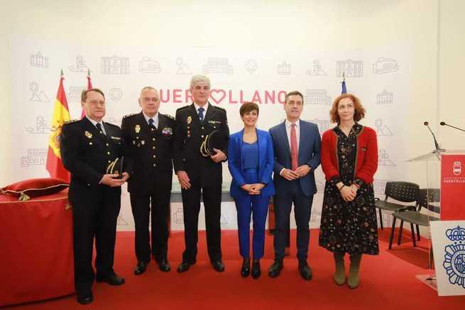 Francisco Tierraseca preside el acto de posesión del nuevo comisario Jefe de la Policía Nacional en Puertollano (Ciudad Real)