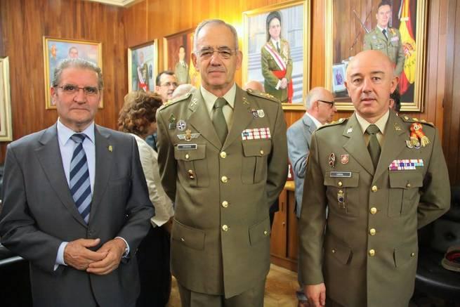 Imagen: Caja Rural CLM asiste a la inauguración del Curso Escolar en la Academia de Infantería de Toledo