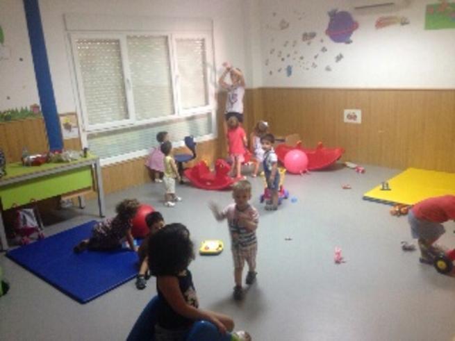 Imagen: El aula de Conciliación Municipal ayuda a las familias bolañegas