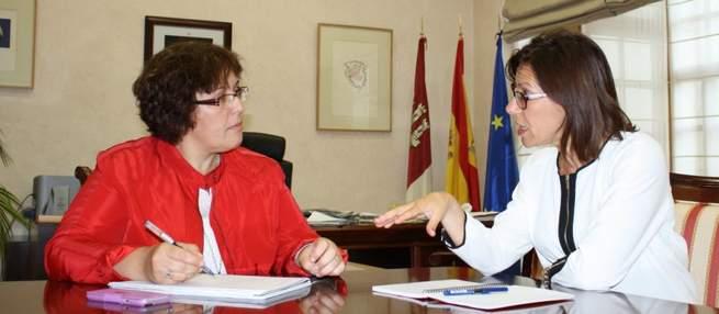 Imagen: La alcaldesa de Miguelturra pide al gobierno regional un colegio y ayuda para la pasarela