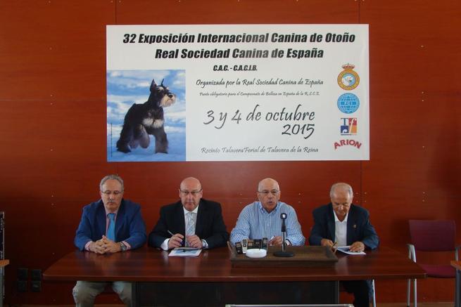 Imagen: Cerca de 4000 perros de 200 razas participan en la XXXII Exposición Canina en Talavera