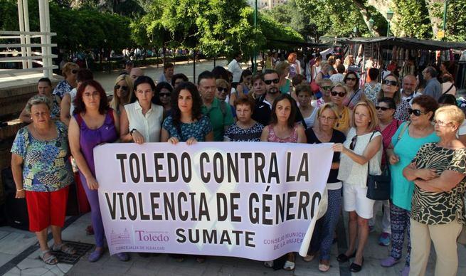 Imagen: Concentración contra la violencia de género en Toledo