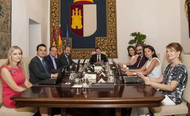 Imagen: Los nuevos delegados de la Junta