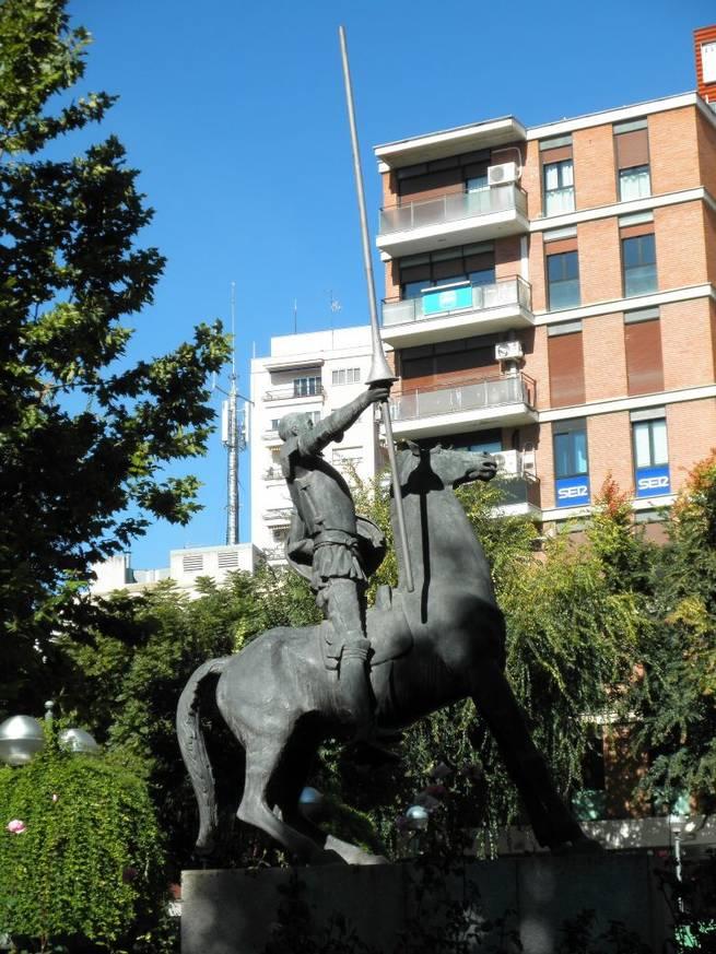 Imagen: El Quijote de Ciudad Real, se teñirá de verde para concienciar sobre la artritis
