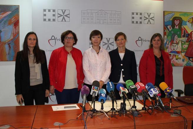 Imagen: La Junta suscribe convenios de ayuda a domicilio con 83 municipios de Ciudad Real