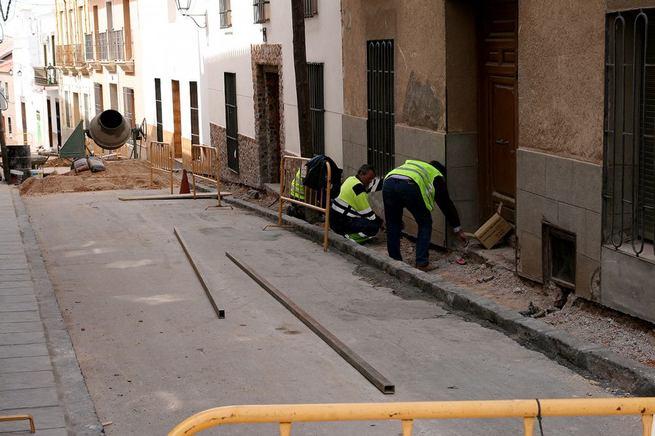 imagen de Más personal contratado para trabajos de mantenimiento en Almodóvar