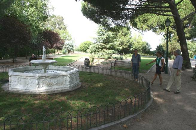 Imagen: El Ayuntamiento impulsa arreglos en la Rosaleda y otros espacios ajardinados del parque de la Vega