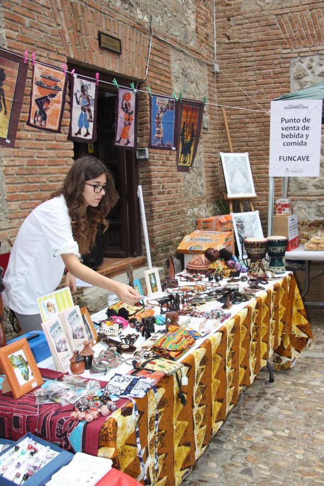 Imagen: Illescas acogió el I Mercadillo Solidario Funcave