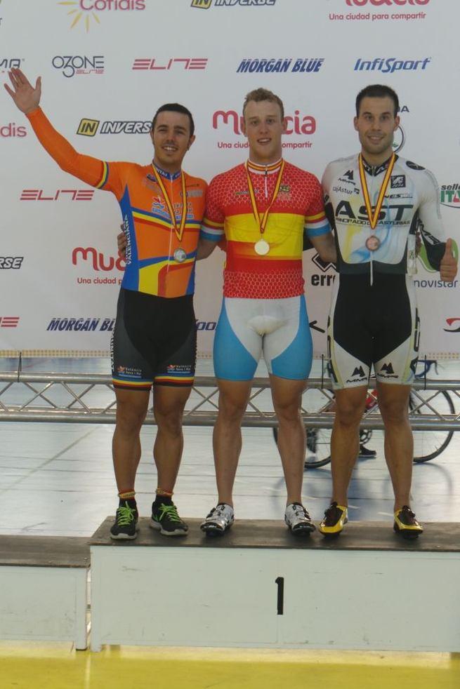 Imagen: Gran actuación de los ciclistas Élite y Sub-23 de la selección de CLM en los Campeonatos de España de Galapagar