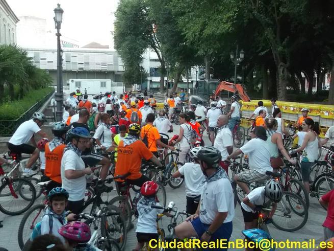 Imagen: La noche blanca del Quijote en bici en Ciudad Real