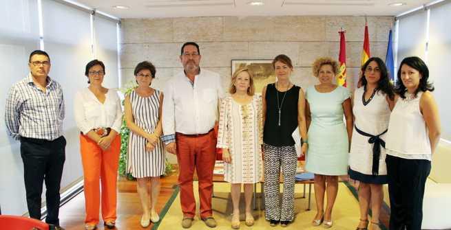 Imagen: La Junta reconoce la labor de los centros de rehabilitación de enfermos de Parkinson