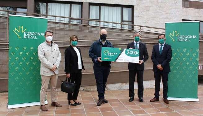 Fundación Eurocaja Rural entrega 2.000 euros a la Fundación Virgen de los Dolores de Valmojado por su proyecto de visitas seguras a la residencia de mayores durante la pandemia