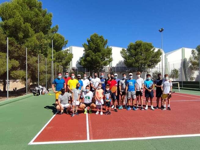 El tenis y el patinaje, centran las actividades deportivas del fin de semana en Quintanar