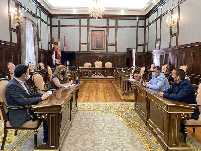 La Asociación provincial de empresarios de servicios de la actividad física y el deporte de Guadalajara mantiene su primera reunión de trabajo con la diputación provincial