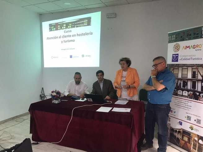 Más de una veintena de profesionales de hostelería y turismo potencian su formación en Almagro con la Cámara y la Diputación