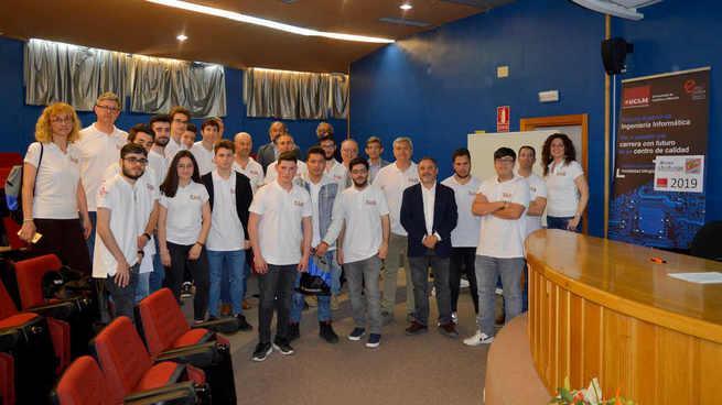 El equipo del IES Miguel de Cervantes Saavedra, primer clasificado en la ESII Drone Challenge