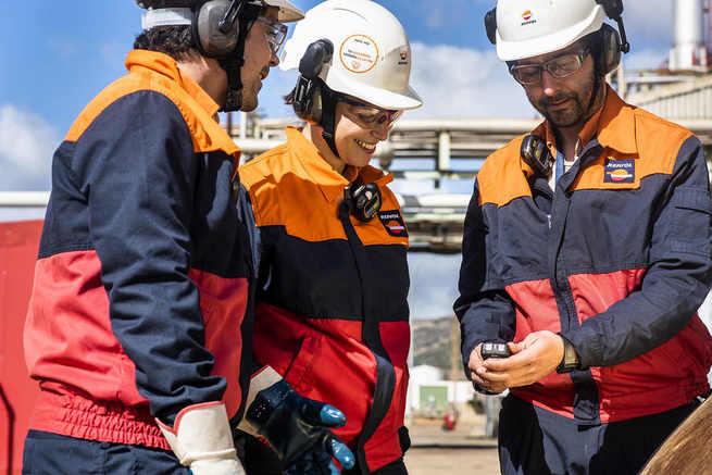 El Complejo Industrial de Repsol en Puertollano lanza una nueva convocatoria de cursos de formación de operador de plantas químicas y analista de laboratorio
