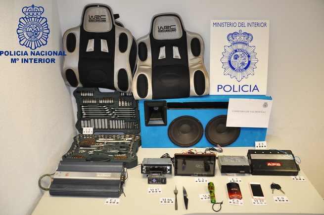 Detenidas dos personas en Valdepeñas por robos en el interior de vehículos