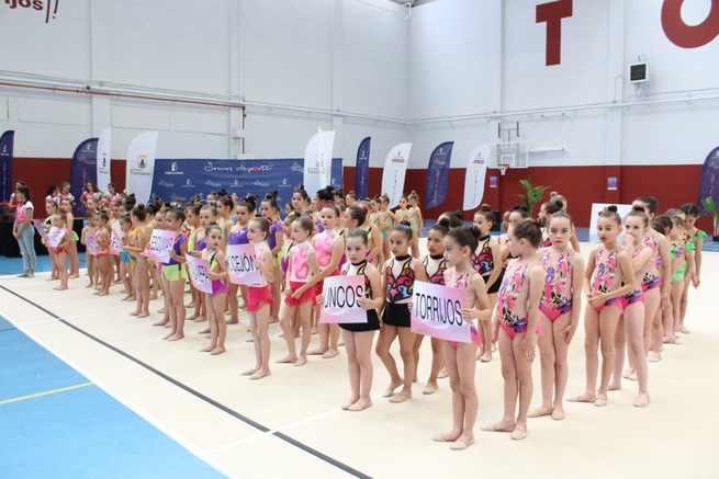 Las 500 niñas que participaron en el Provincial de Gimnasia Rítmica estrenaron el pabellón de Torrijos
