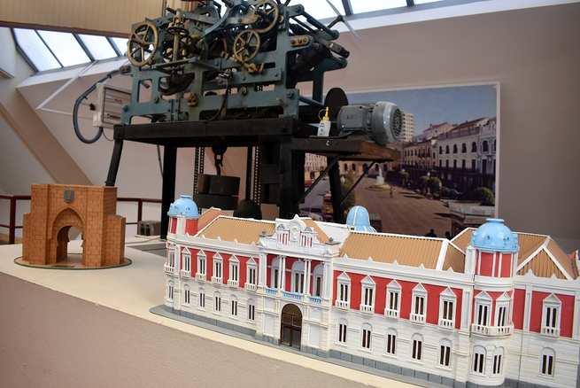 Maquetas de la Puerta de Toledo y de la Diputación Provincial pueden verse desde hoy en el Ayuntamiento de Ciudad Real
