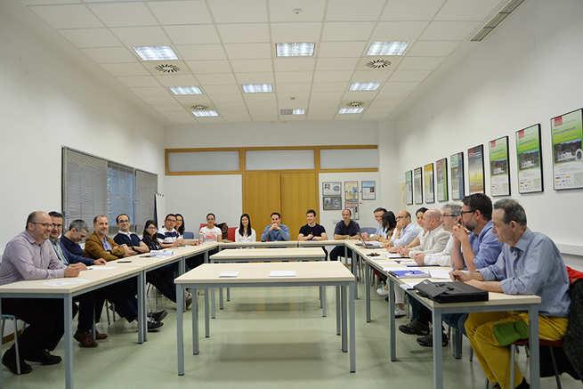 Investigadores de la UCLM desarrollan una tecnología para eliminar contaminantes en suelos y aguasque interesa a técnicos del Gobierno aragonés