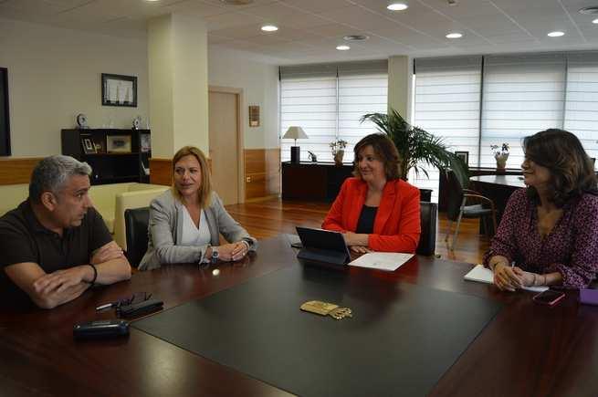 La consejera de Economía, Empresas y Empleo en funciones, Patricia Franco se reúne con representantes de la Unión de Profesionales y Trabajadores Autónomos
