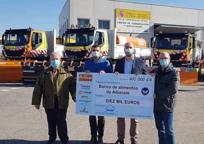 AULLASA realiza un donativo de 10.000 € al Banco de Alimentos de Albacete
