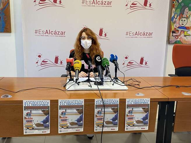 El Ayuntamiento de Alcázar destina 21.000 euros en ayudas para el alojamiento y transporte de estudiantes universitarios