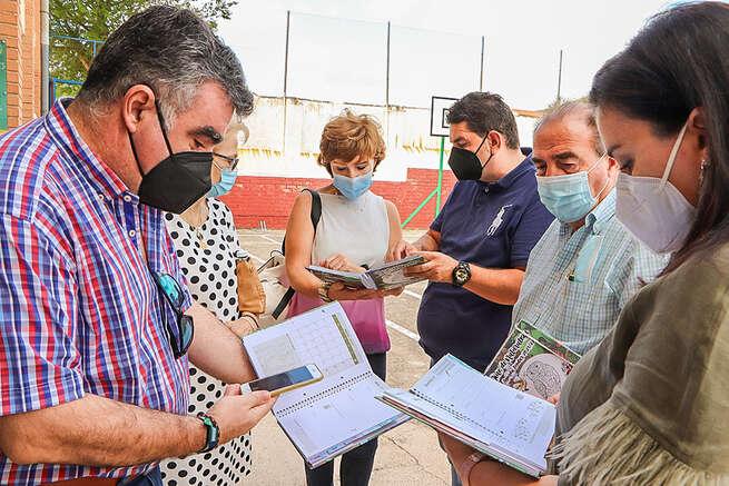 El alcalde de Mestanza valora el afán didáctico de las agendas escolares que profundizan en el Valle de Alcudia y Sierra Madrona