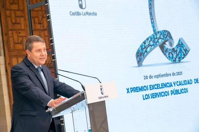 """García-Page avanza la """"supresión por completo de aforos y horarios"""" que volverán a la """"normalidad pre-COVID"""" en Castilla-La Mancha"""