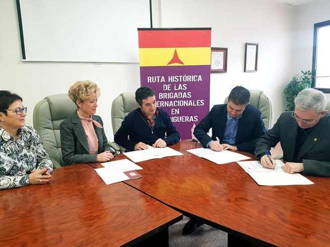 El Instituto de Estudios Albacetenses convenia con el Ayuntamiento de Madrigueras para colaborar con su Memorial a las Brigadas Internacionales