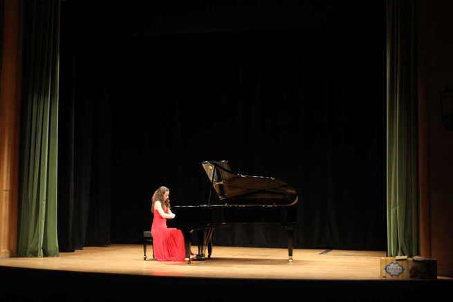 Un musical de Grease y un recital de piano a favor de cáritas pusieron la melodía en el auditorio torrijeño