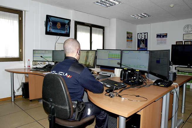 La Policía Nacional ha detenido a una persona e identificado a otra como presuntas autoras de un delito de estafa en Ciudad Real