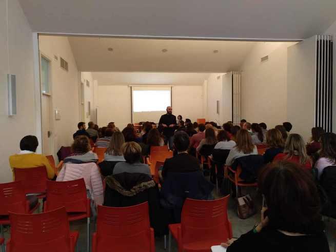 Jornadas sobre AULA INVERTIDA para docentes de Castilla La Mancha en el Centro Cívico de Alcázar de San Juan dentro de la línea formativa de inclusión educativa..