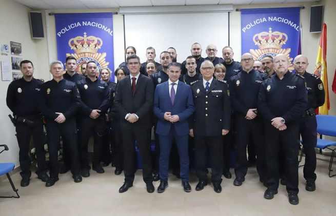 El delegado del Gobierno valora el trabajo de la Policía Nacional en la recuperación del recién nacido el pasado sábado en Guadalajara